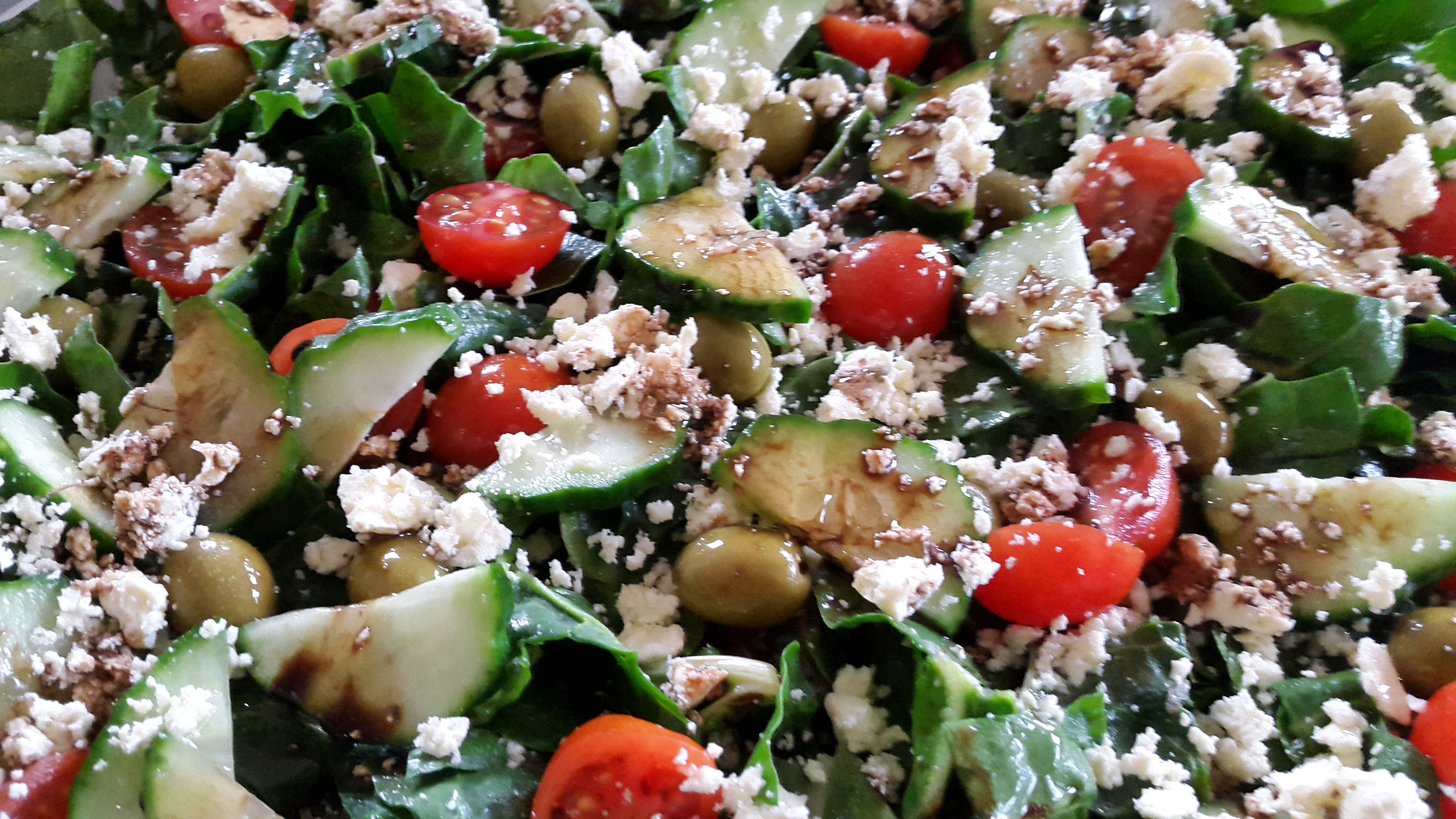 Spinach and Feta Salad with Balsamic Dressing